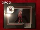 gerahmtes Bild von Freddie mit CD